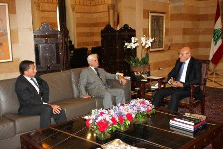 Pr-Minister-Tammam-Salam-Meets-British-Minister-of-Environment[1]