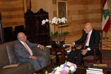 Pr-Minister-Tammam-Salam-Meets-Minister-Rachid-Derbes[1]