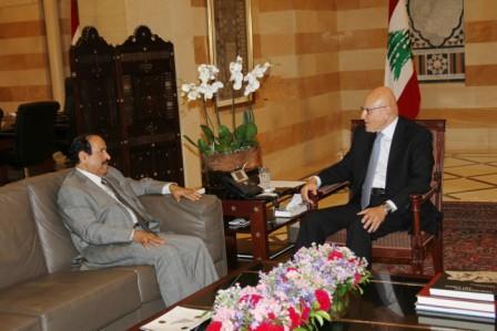 Pr-Minister-Tammam-Salam-meets-Saudi-Ambassador-[1]